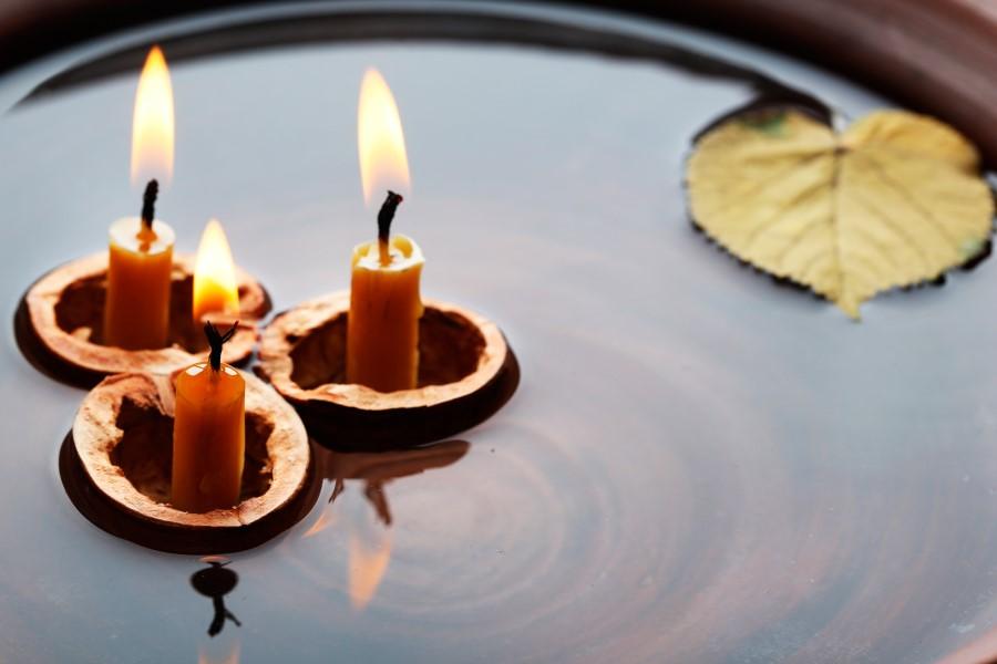 Рождественское онлайн гадание на скорлупе ореха и свече