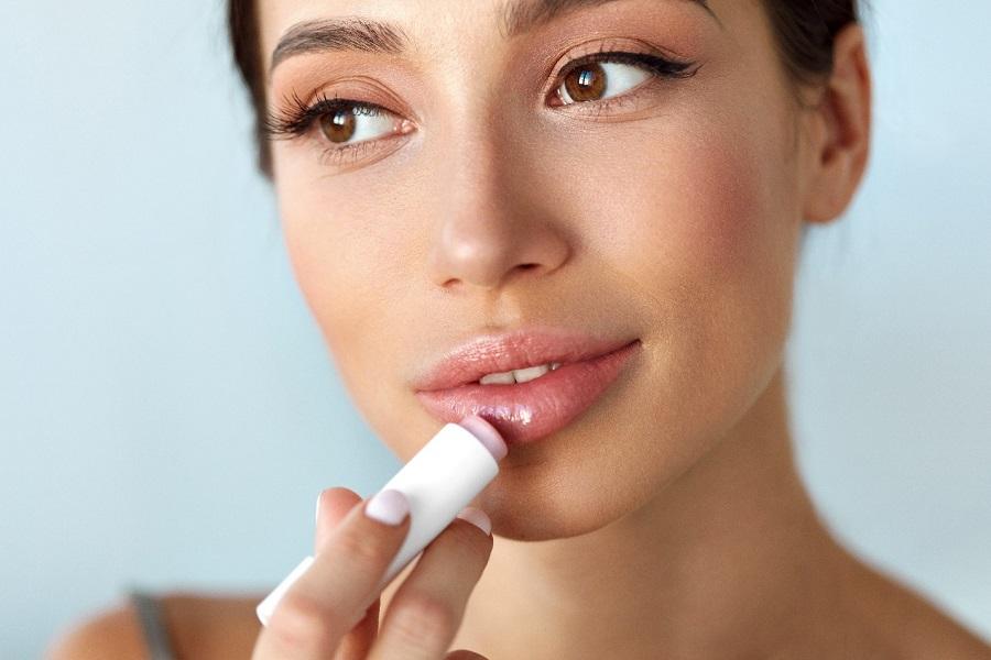 К чему готовиться наяву, если пришлось красить губы во сне?