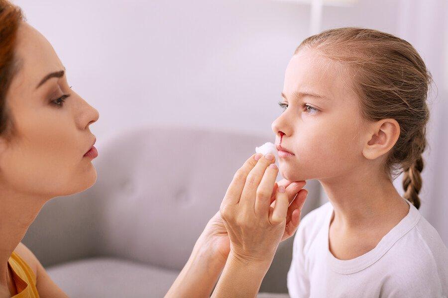 К чему снится кровь из носа — подробное толкование по сонникам