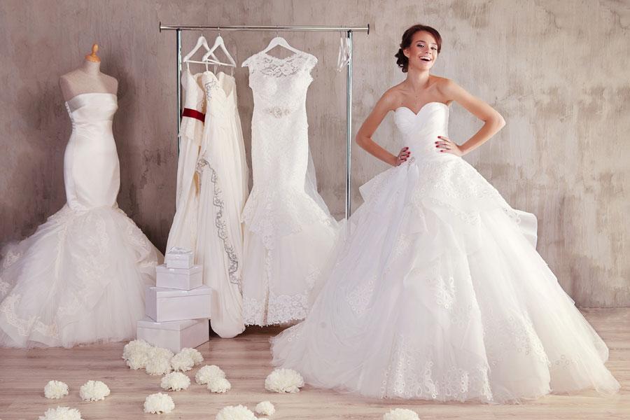 К чему снится свадебное платье: толкование образа по различным сонникам