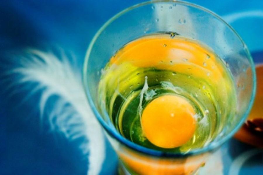 Как диагностировать порчу или сглаз с помощью яйца в домашних условиях — правила и расшифровка