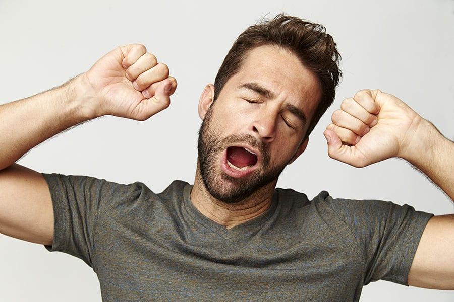 Зевалка по времени и по дням недели — что означает неожиданное зевание?